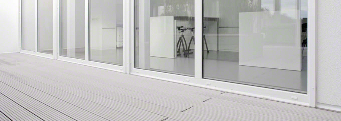 Saubere und praktische Terrasse