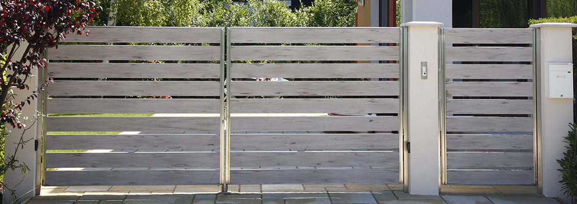 Moderne Gartentorkombination