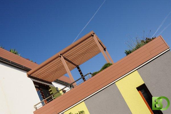 obere Terrasse mit Pergola